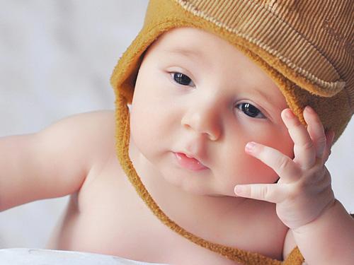 Jennifer Muller ostéopathe Paris16 bébé sphère ORL