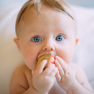 Jennifer Muller ostéopathe Paris16 osteo bébé